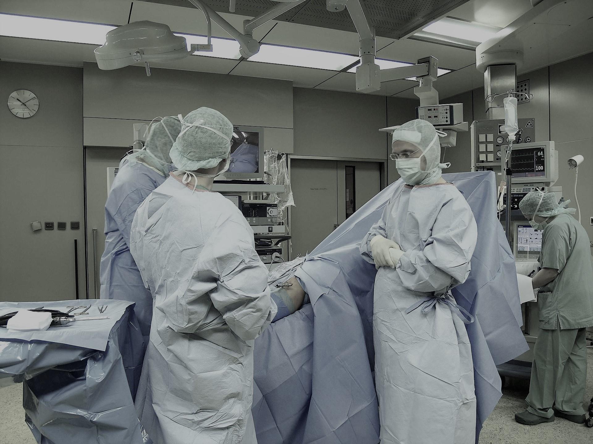 Krankenhausträger haftet für Fehler bei OP durch einen alkoholkranken Belegarztes