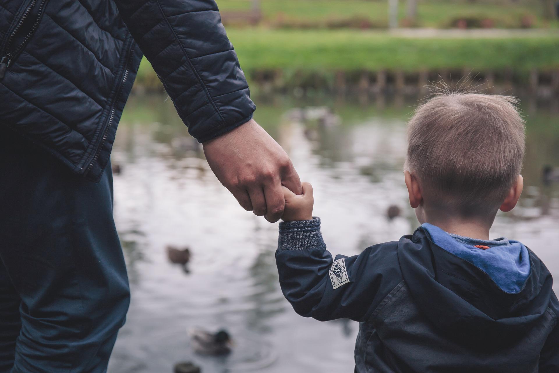 Familiäre Bindung wichtiger als leibliche Vaterschaft