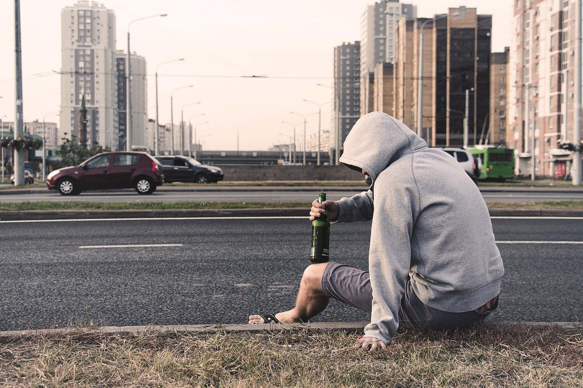 Unfall mit stark betrunkenem Fußgänger - Haftung für Autofahrer kann entfallen 1